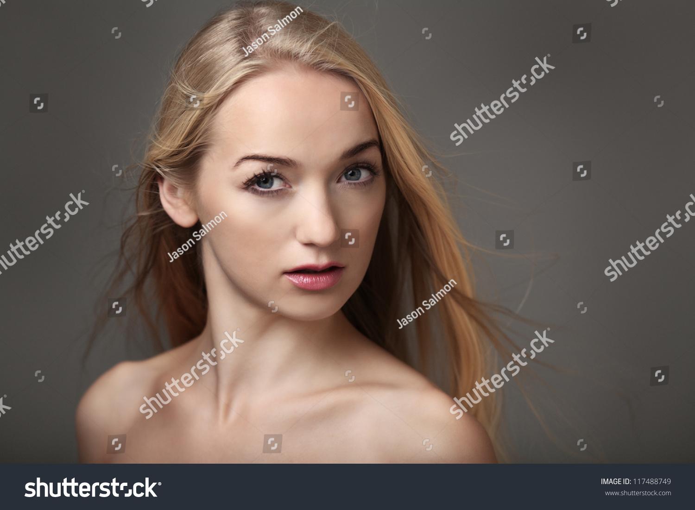 sexy-frauenkopfschuesse