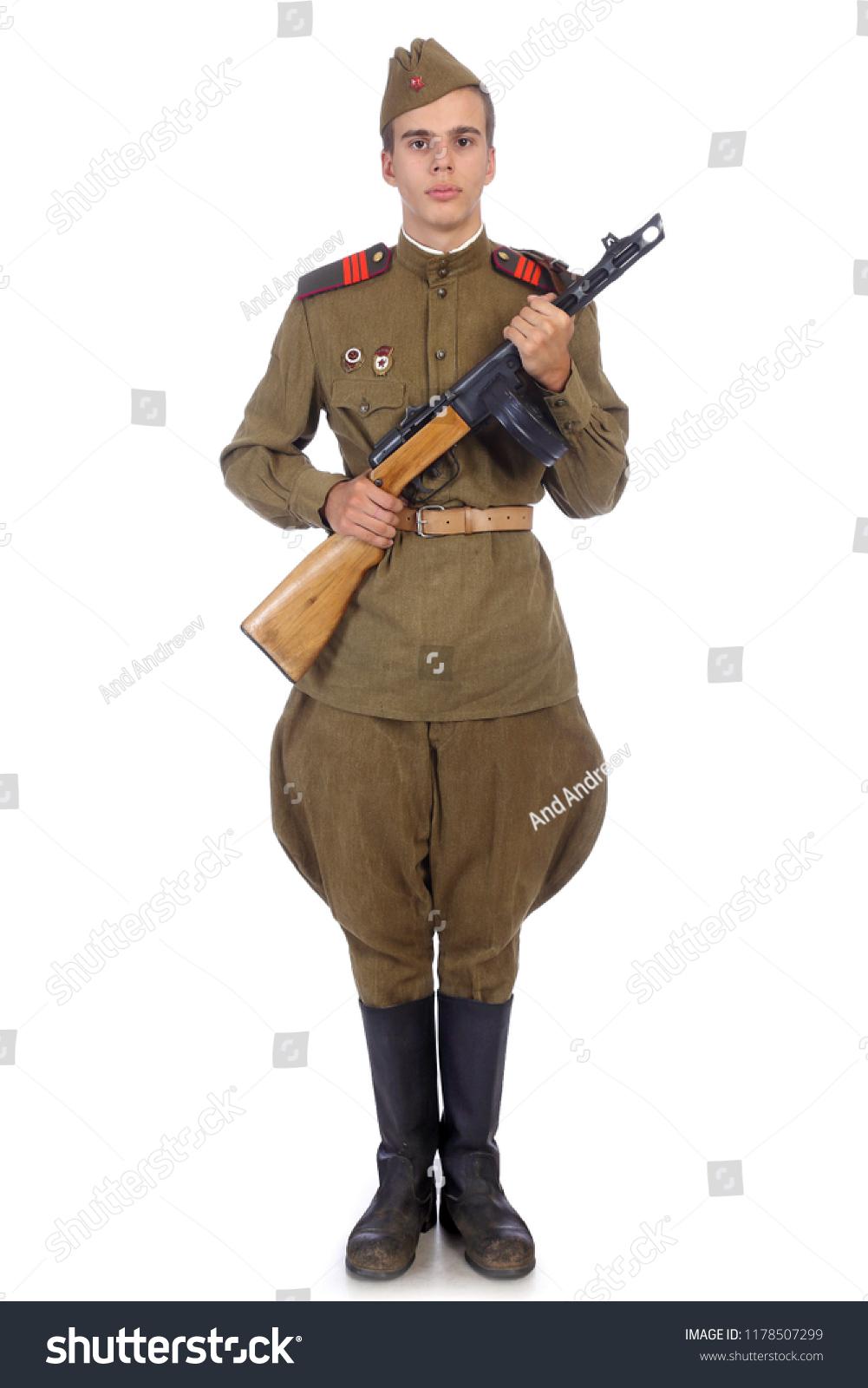 Картинки солдата по стойке смирно