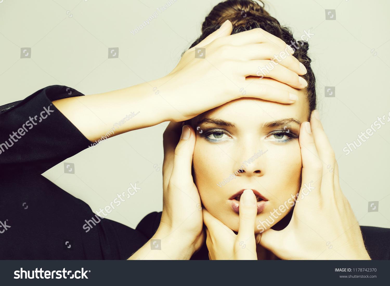 Harga Dan Spek Scotland Wikipedia Termurah 2018 Carvil Sandal Gunung Men Goodwin Gm Black Olive Hijau Tua 41 Manicured Hands On Cute Face Freckles Stock Photo Edit Now With Of Adorable Woman