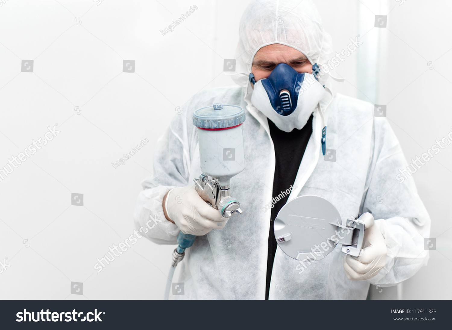 Auto Worker Painting Car Body Component Stock Photo 117911323 ...
