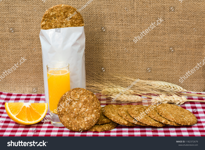 Oatmeal and orange cookies