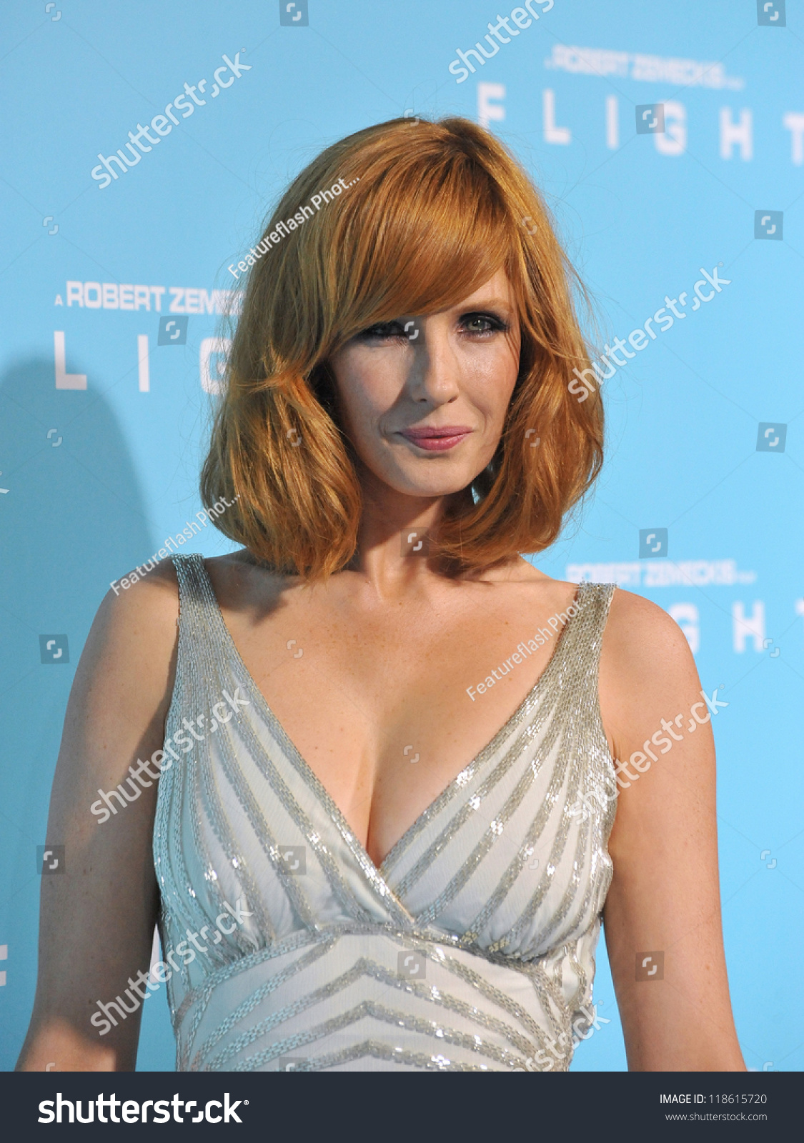 Kelly Reilly Nude Photos 15