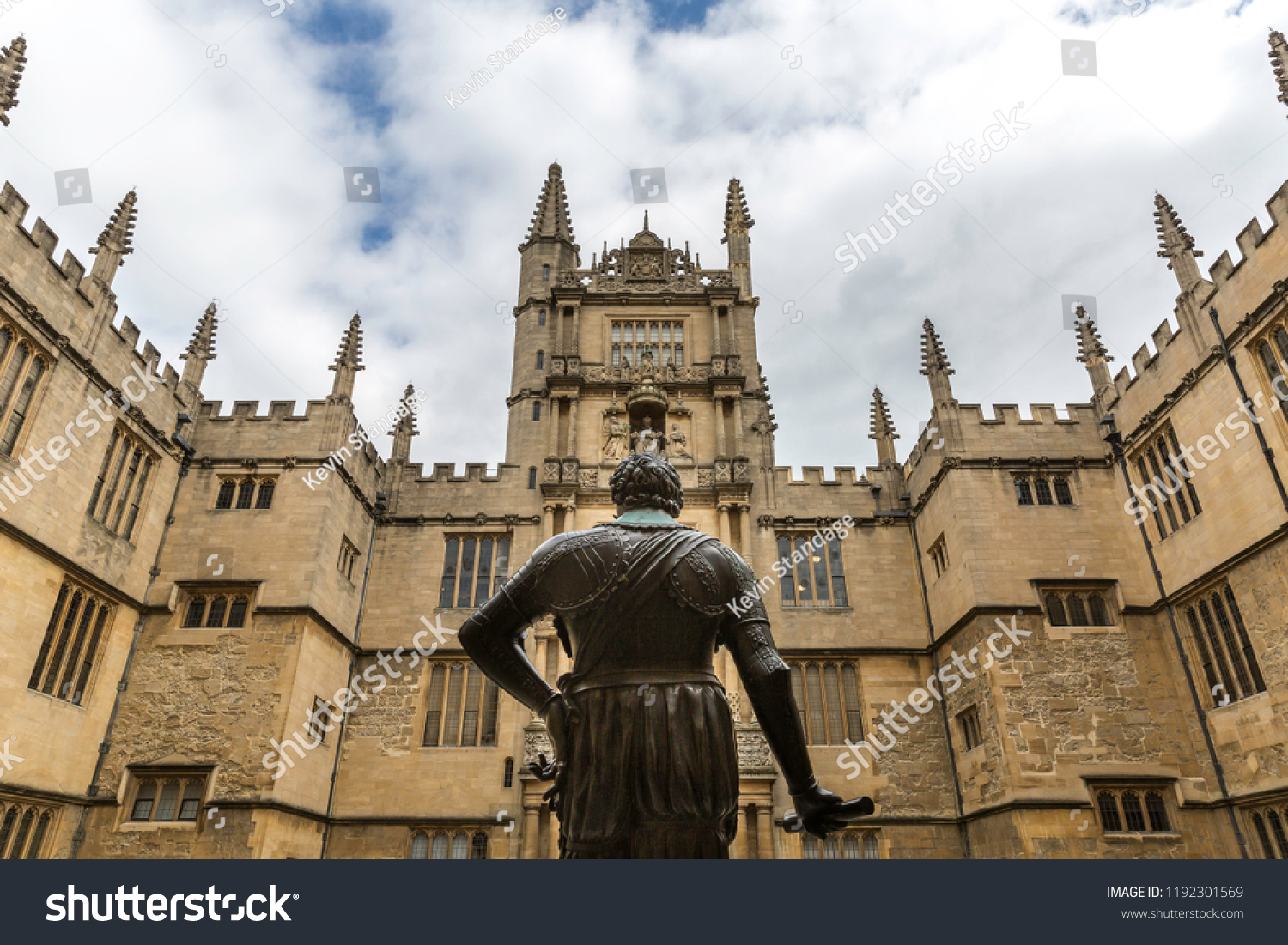 Oxford, Oxon, England - April 18 2016 : Statue of William Herbert, 3rd Earl of Pembroke, one-time Chancellor of Oxford University (1580-1630) in the Old Schools Quad of the Bodleian Library, Oxford.