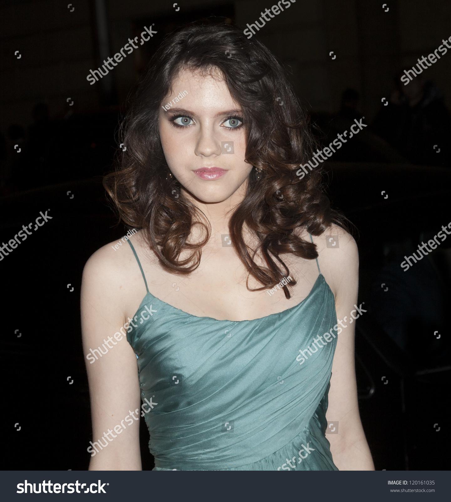 Leaked Carine Felizardo nudes (66 photo), Tits, Leaked, Twitter, braless 2006