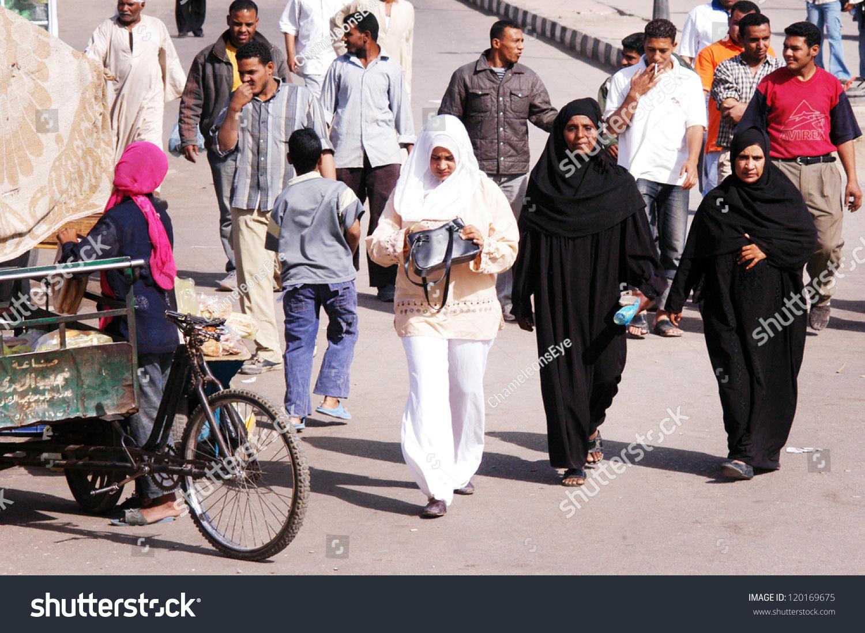 luxor muslim Muslim women's luxor wrap hijab kuwaiti mona - the beauty of the luxor kuwaiti hijab is the texture combination of lycra, chiffon, satin, and sequins the luxor kuwaiti hijab has a lycra hood and a wrap around shawl in chiffon fabric trimmed in sa.