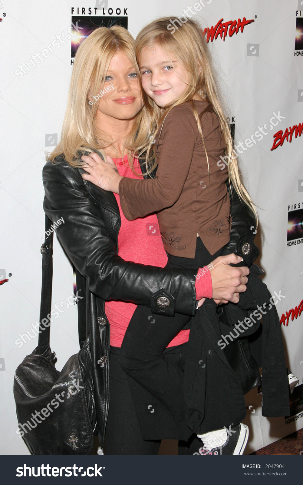 donna derrico and daughter frankie jean sixx at the dvd