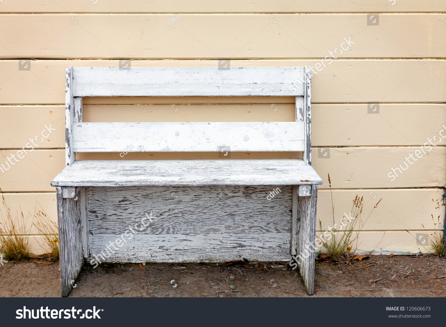 English Country Decor Rustic Wooden Outdoor Cottage Bench Painted Stock Photo