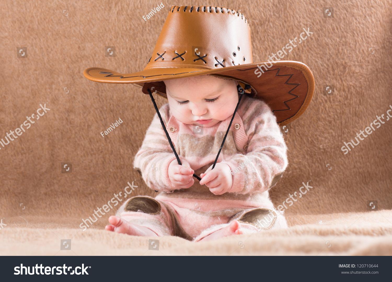 e48d86341da89 Funny Baby Big Cowboy Hat Stock Photo (Edit Now) 120710644 ...