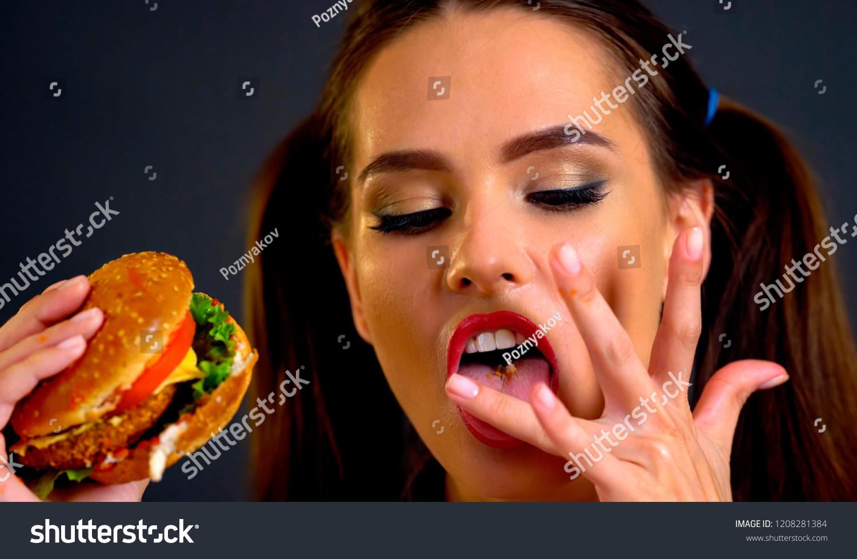 Lick to bare big woman
