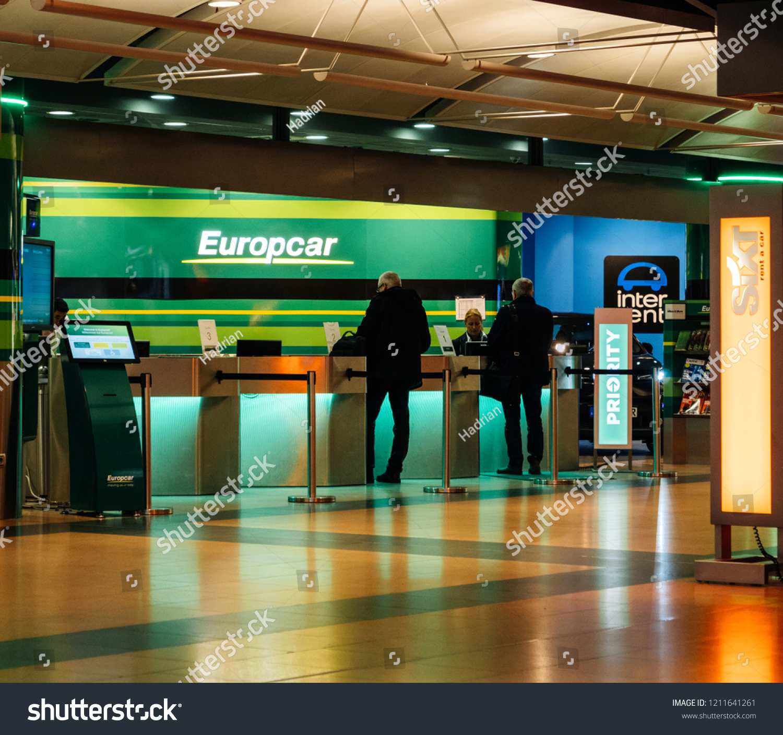 Hamburg Germany Mar 20 2018 Customers Stock Photo Edit Now