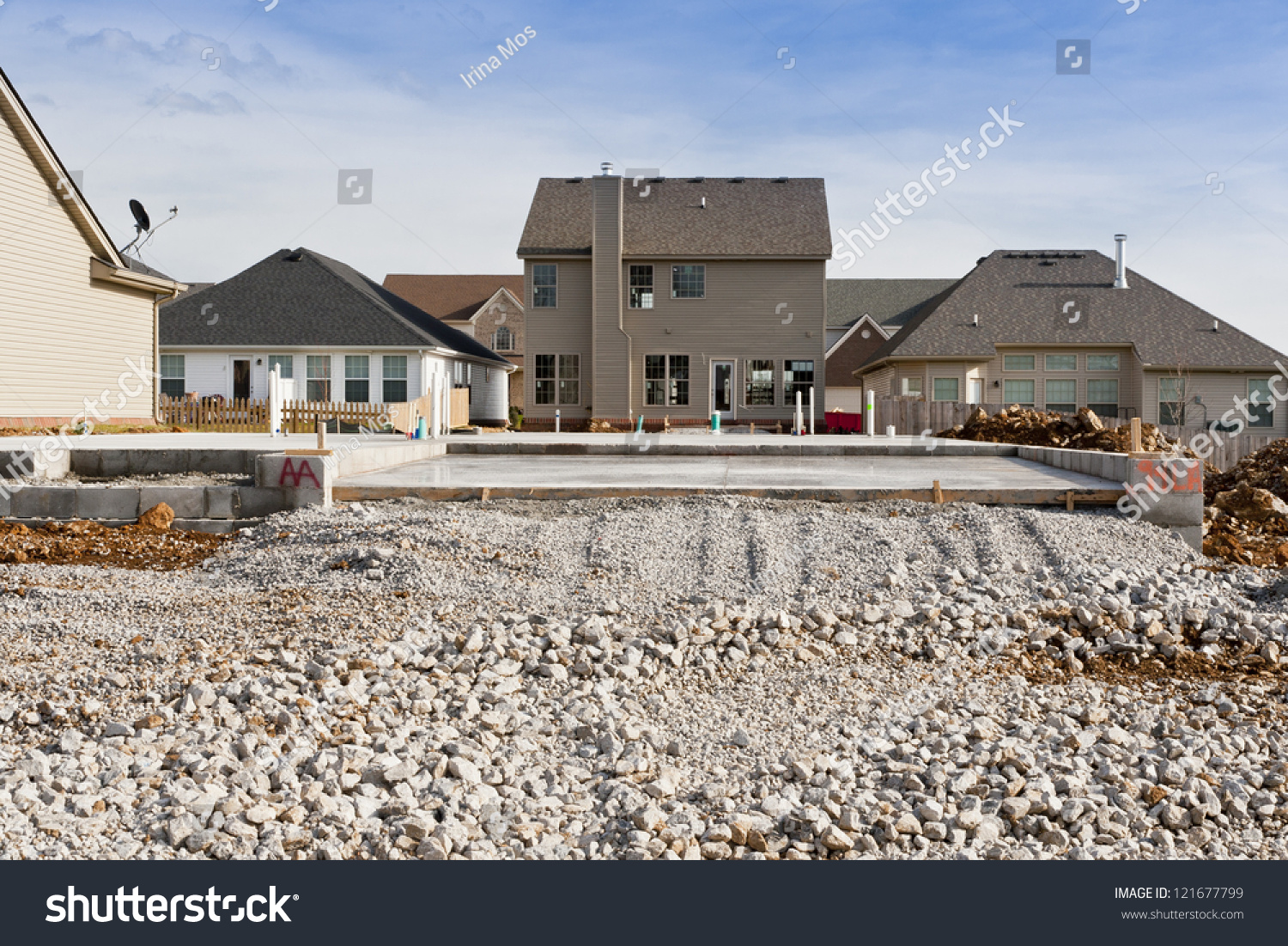 Slab foundation new house constructionbuild your stock for Slab built homes