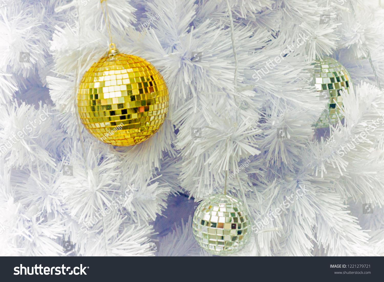 Foto Alberi Di Natale Bianchi close christmas decoration tree yellow decoration stock