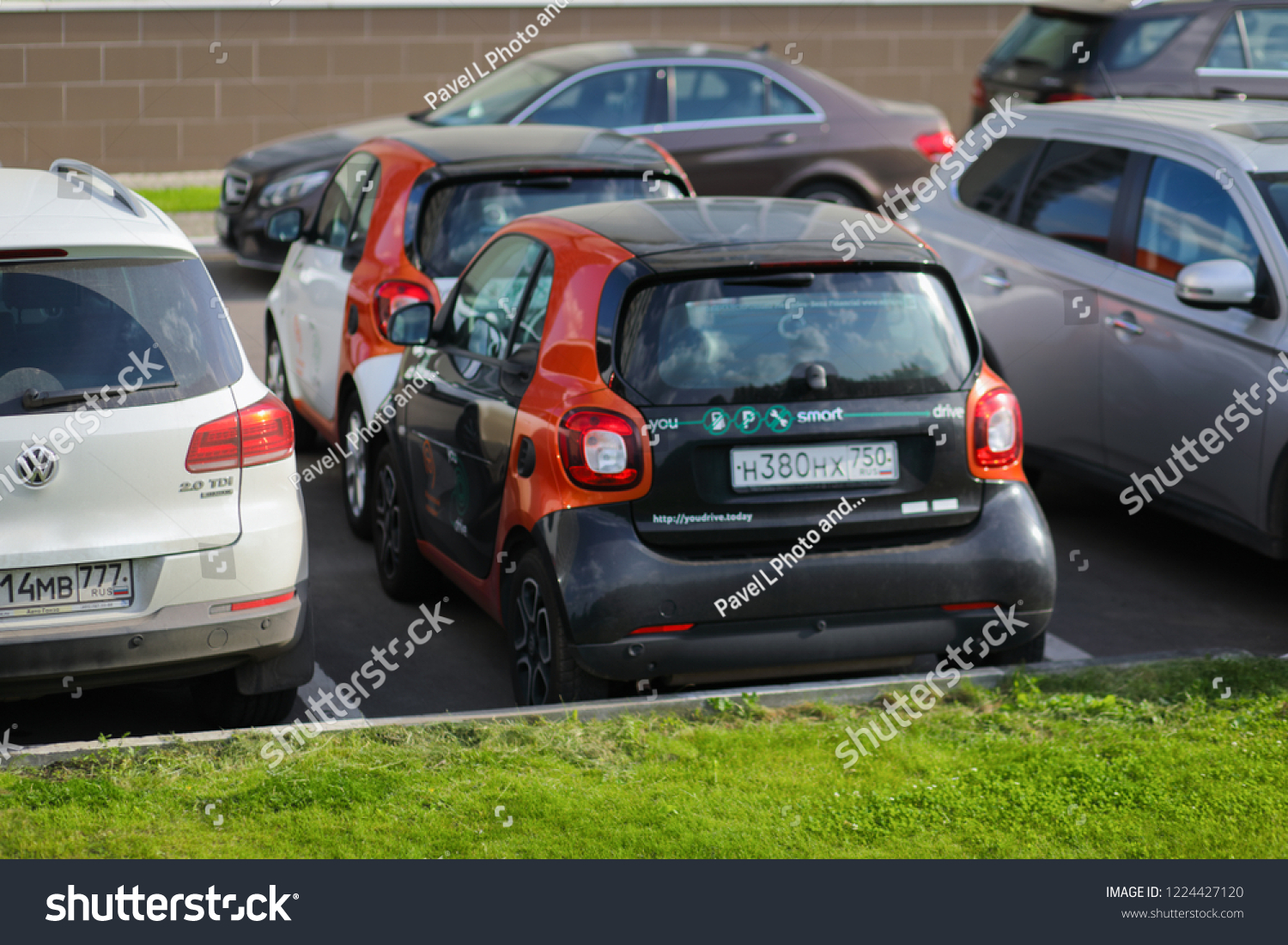 Moscow Jun 22 2018 Two Mercedes Stock Photo Edit Now 1224427120