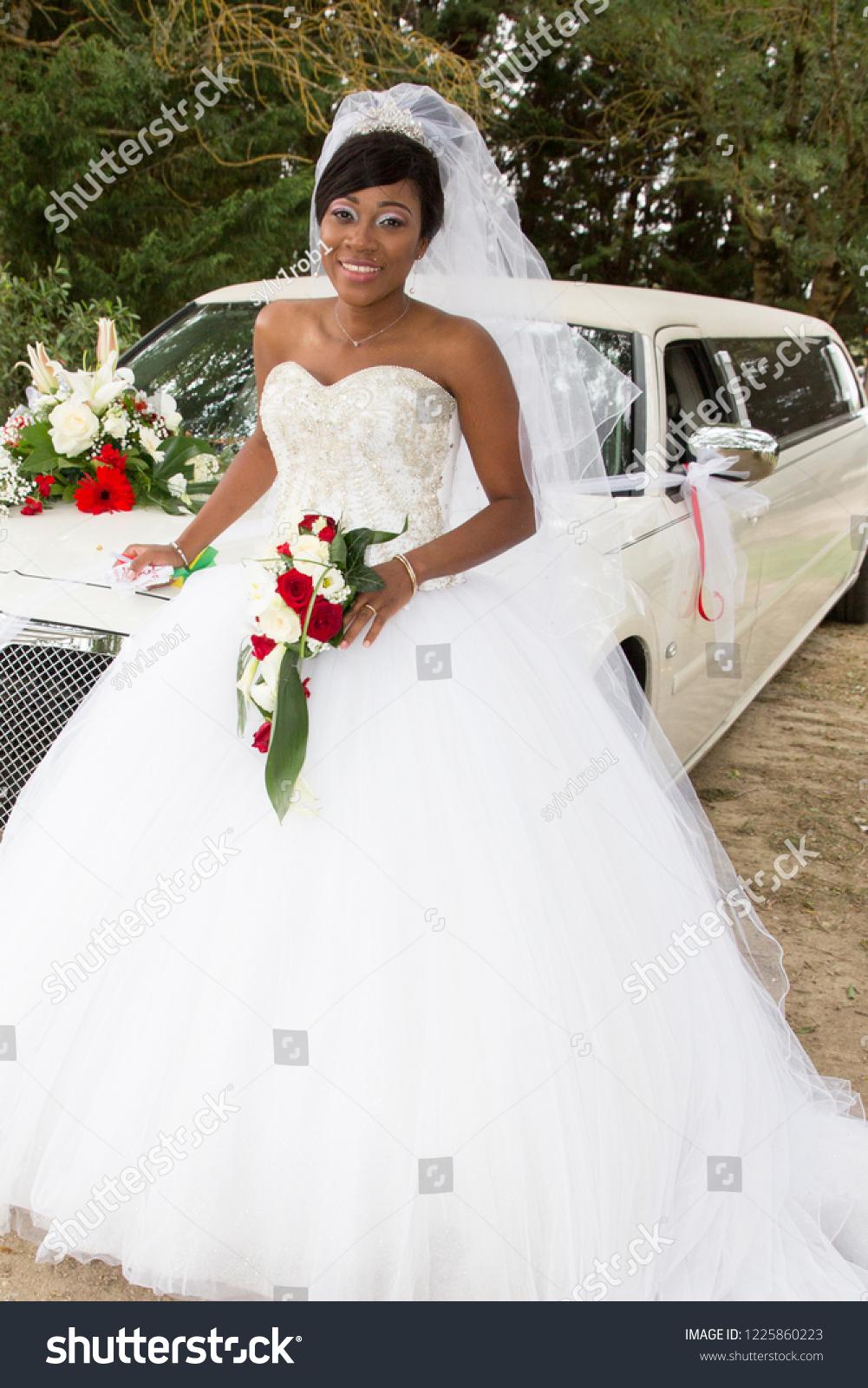 Suchen Sie nach Africanamerican Black Woman White Wedding ...