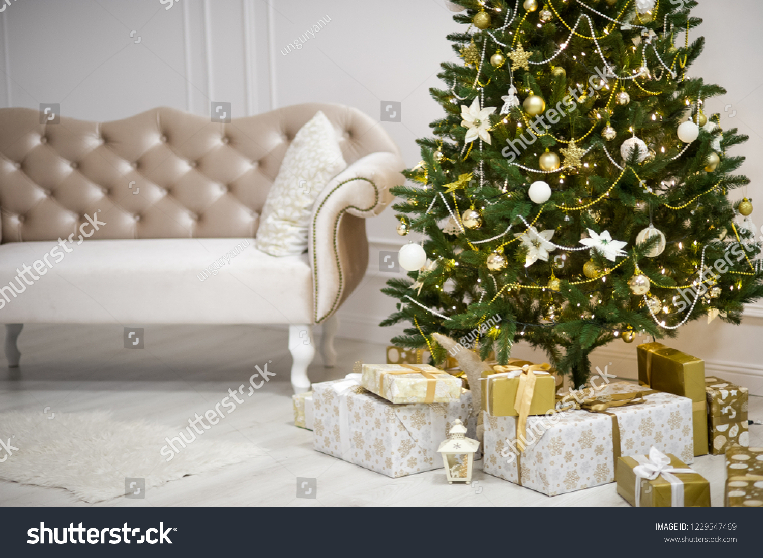 Elegant Christmas Tree Decorated Glistening Glass