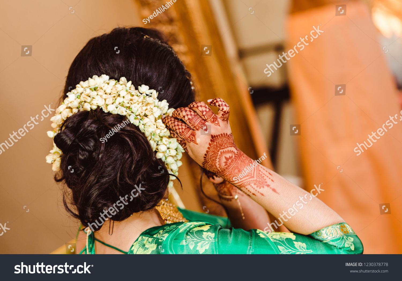 Peachy Indian Bridal Showing Beautiful Flower Bun Miscellaneous Beauty Schematic Wiring Diagrams Phreekkolirunnerswayorg