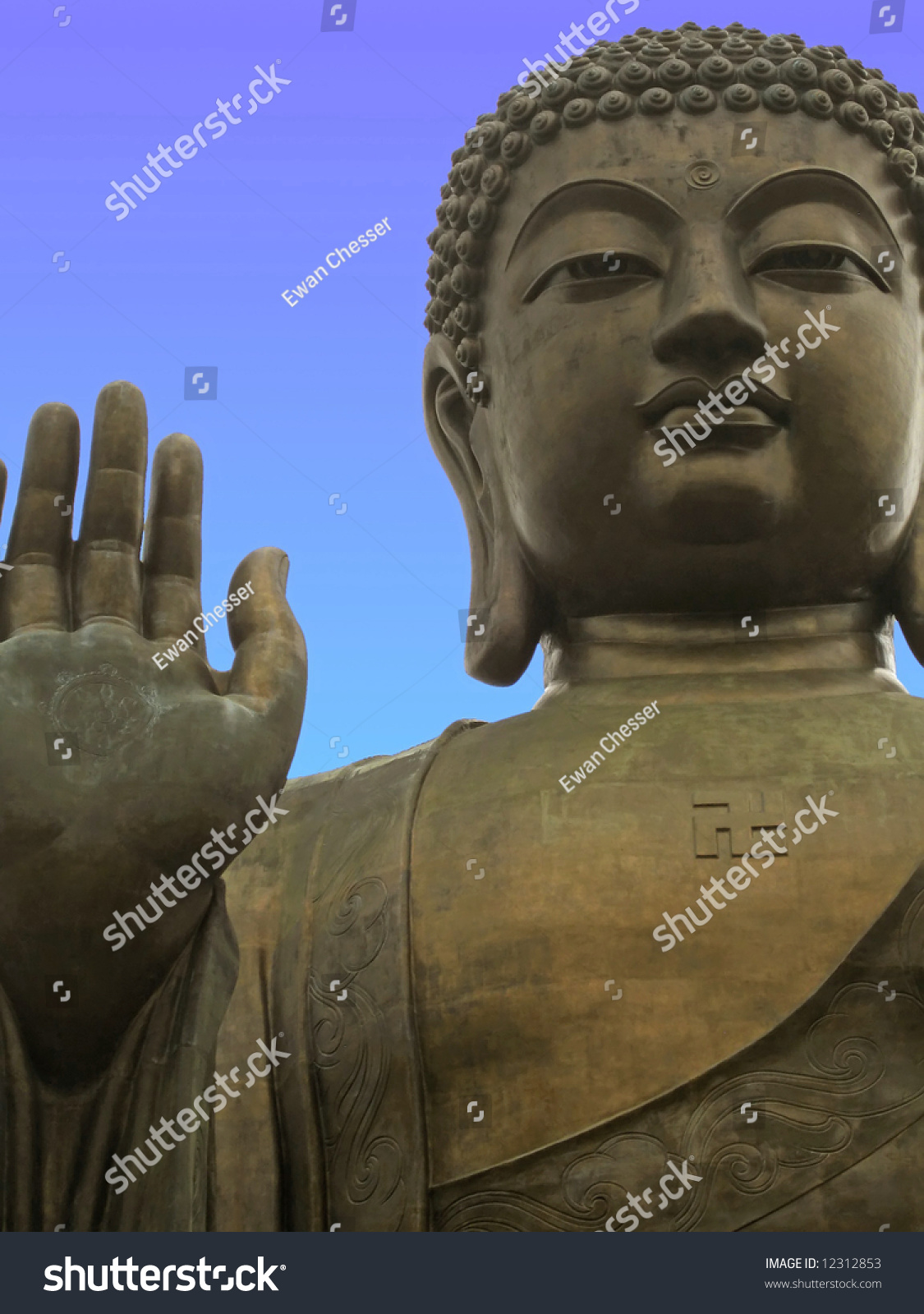 how to go to giant buddha hong kong
