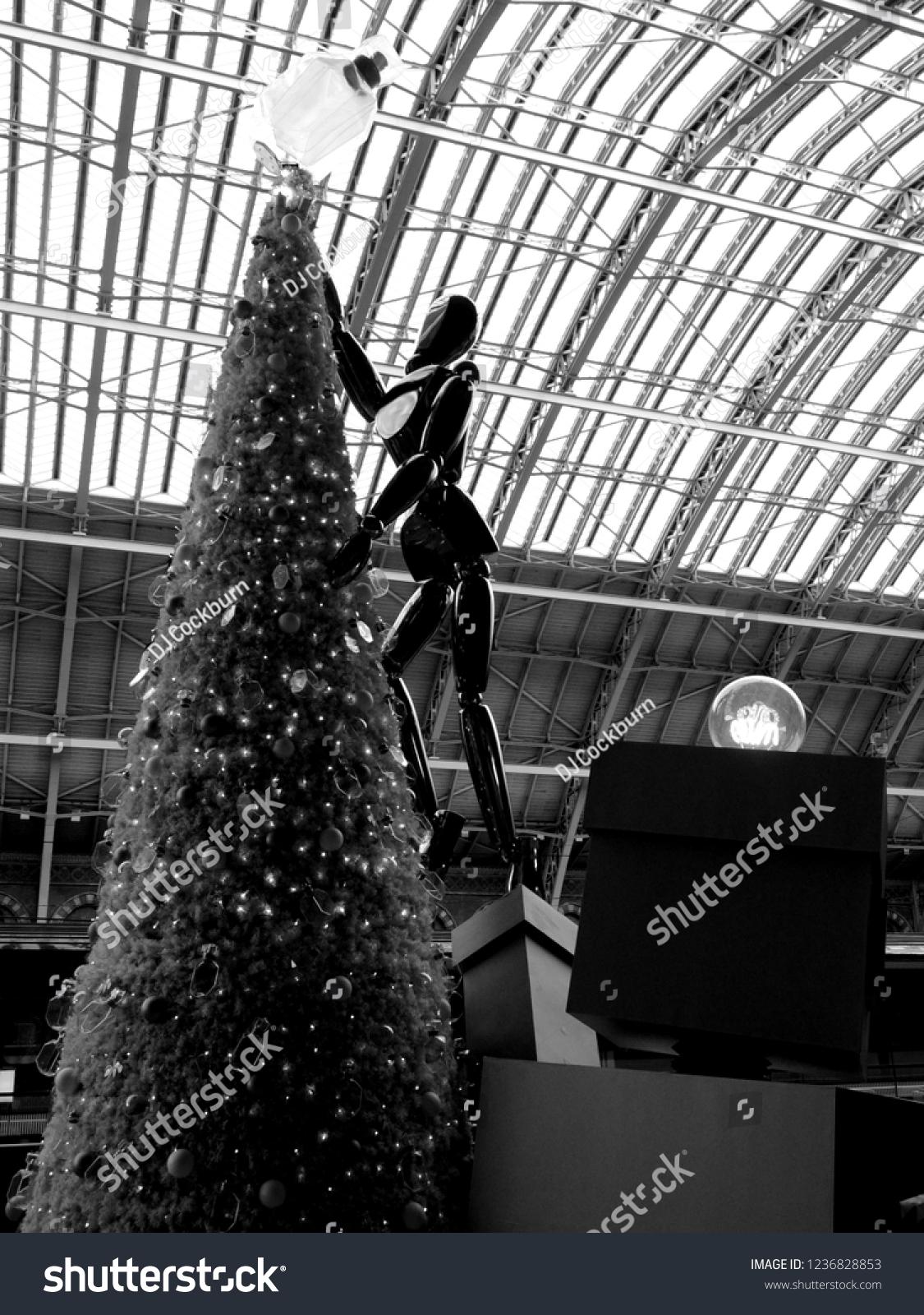 Camden London Uk 11192018 Tiffany Co Stock Photo Edit Now