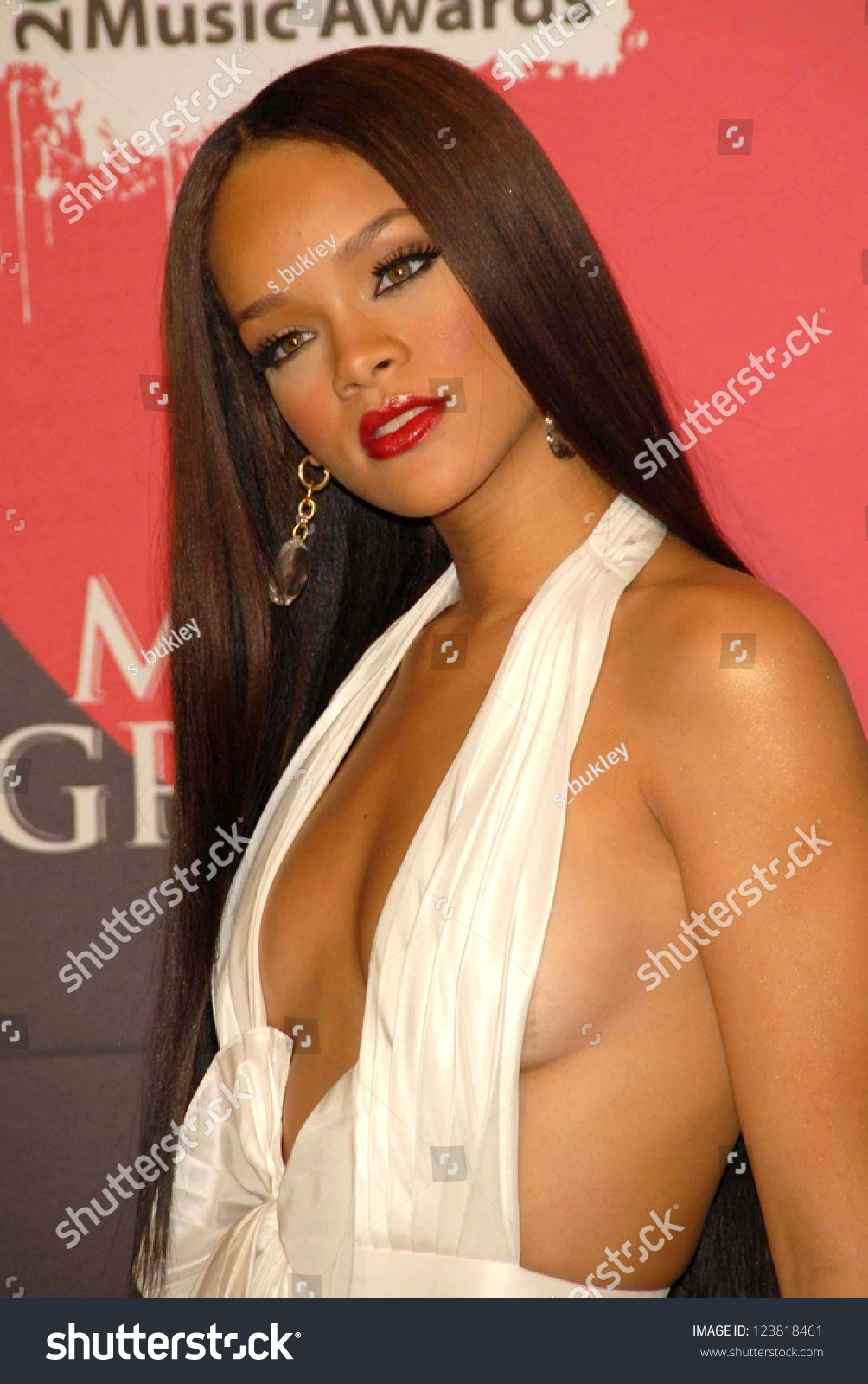 Rihanna Cleavage, December