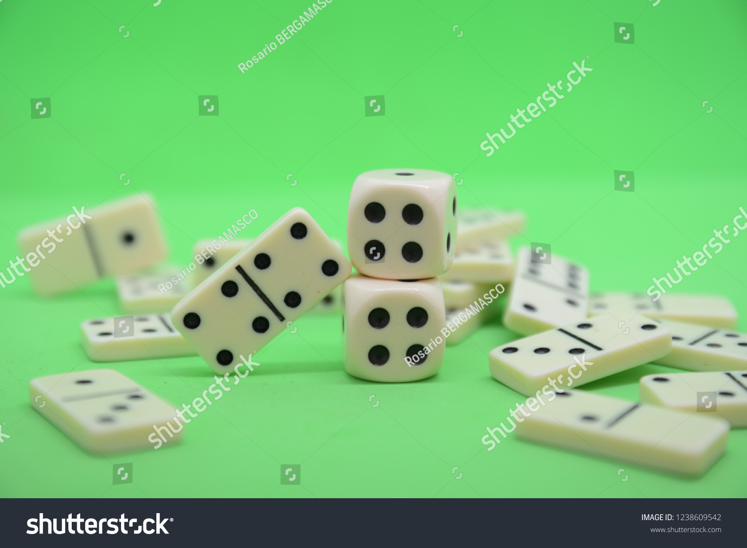 game of dominoes play number green table fortune lucky casino #1238609542