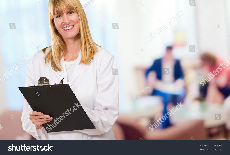 Descripitve essay a doctors waiting room