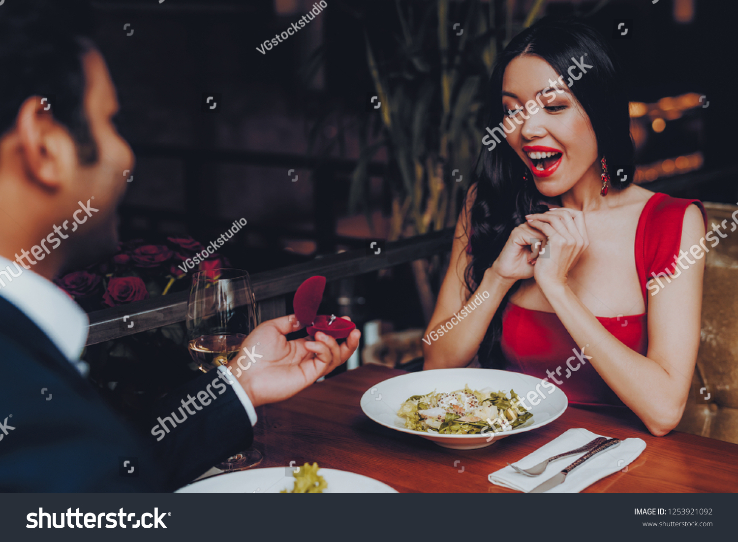 dating a girl who doesent have ajob