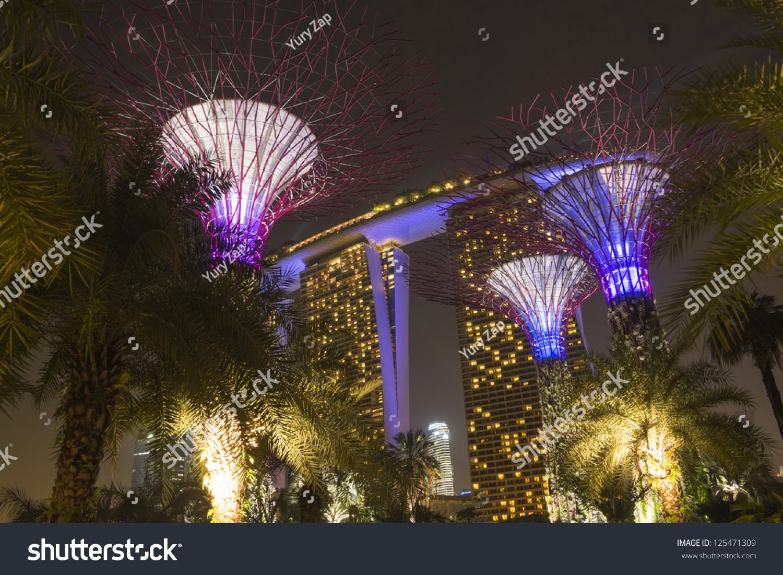 SINGAPORE JANUARY 12 Futuristic Artificial Trees Stock Photo (Edit ...
