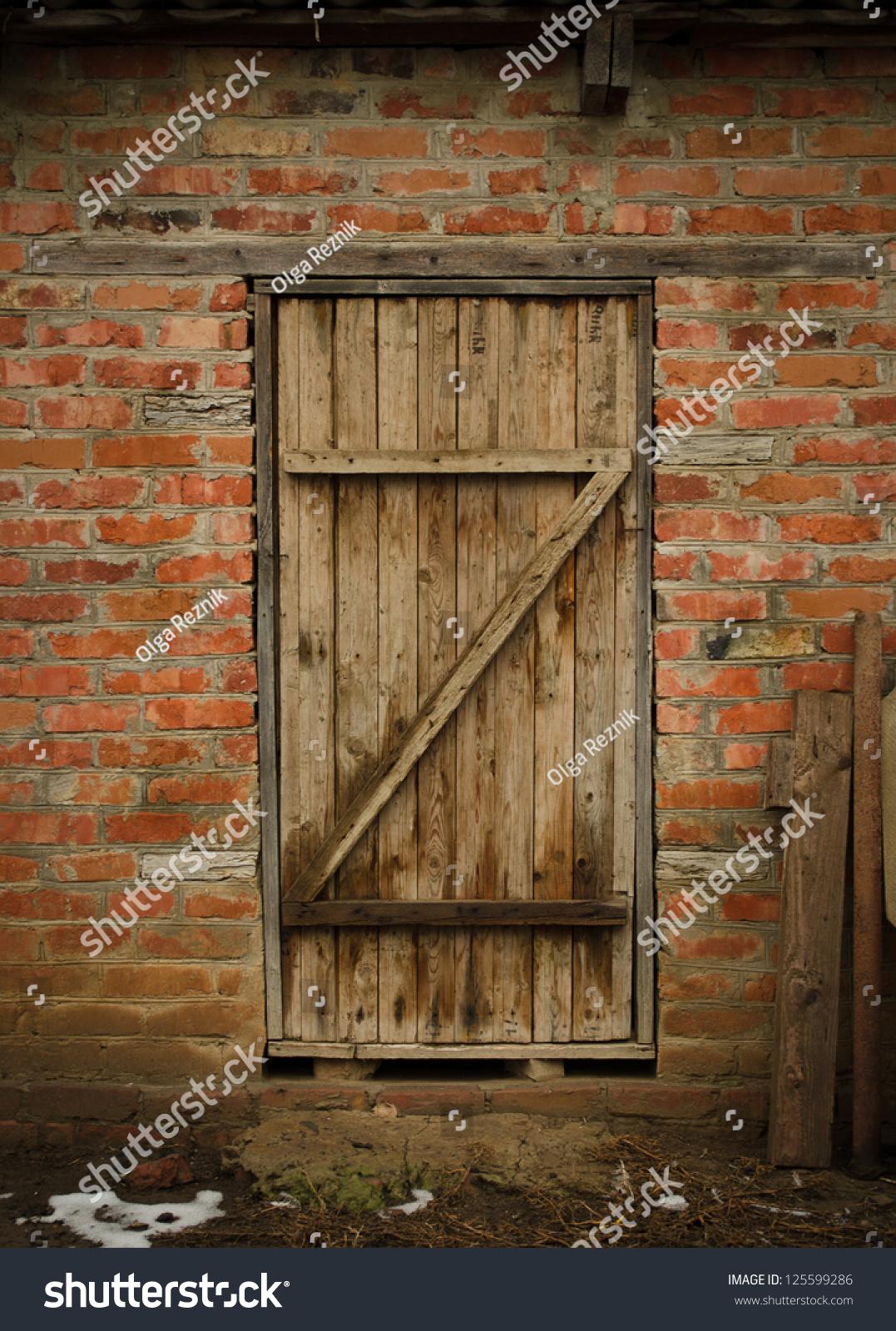 old barn door stock photo 125599286