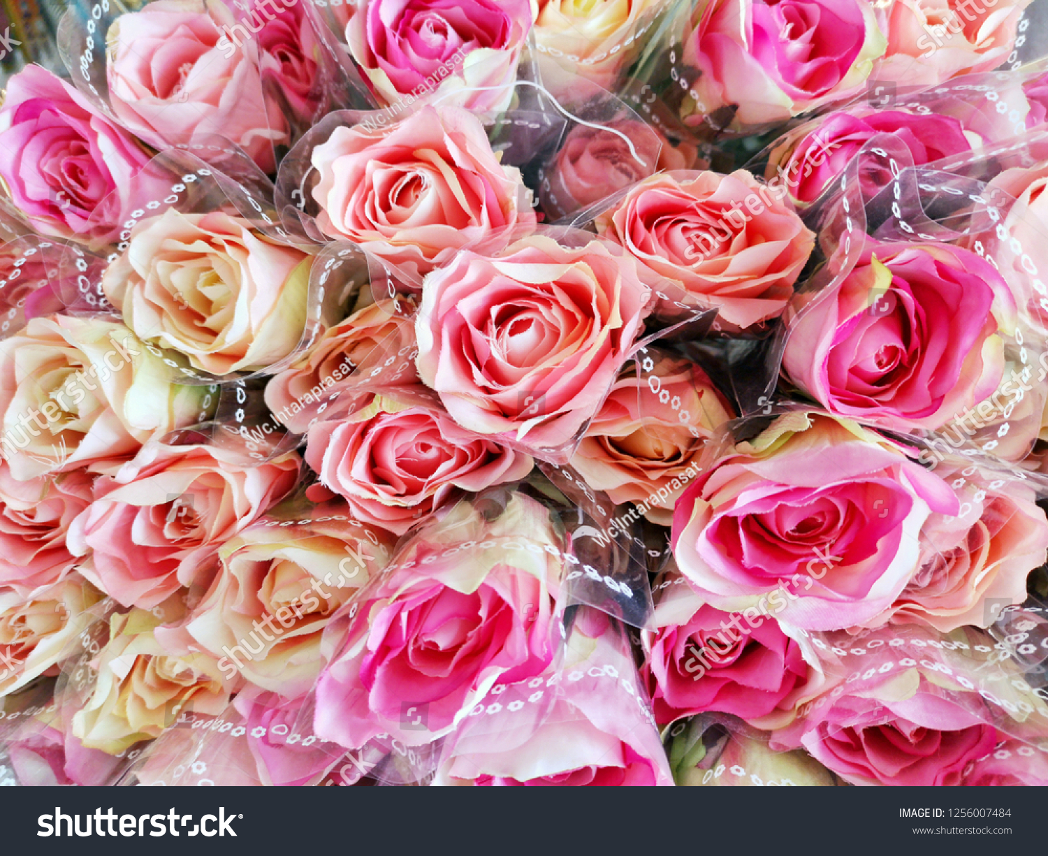Roses Different Shades Pink Wedding Arrangement Stock Photo Edit Now 1256007484