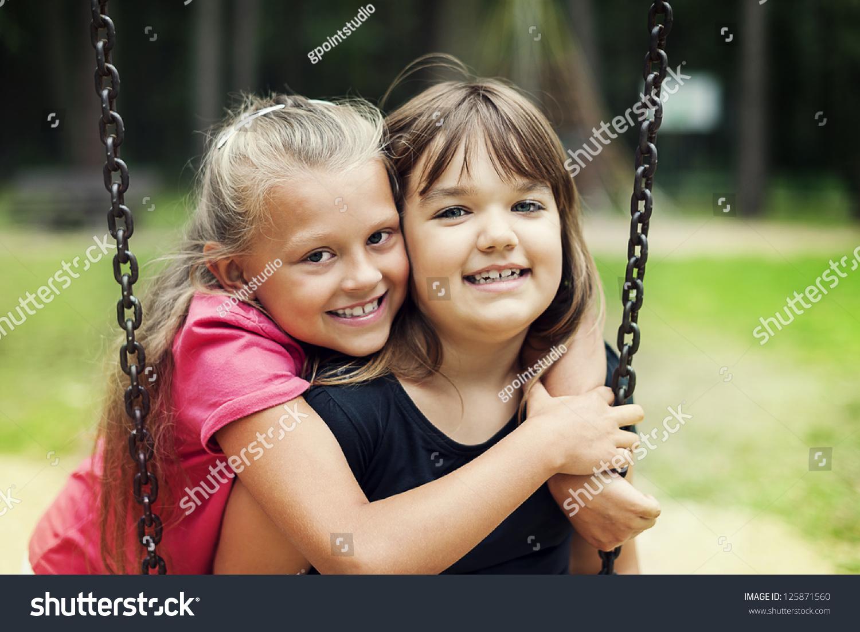 Good swinging best friends