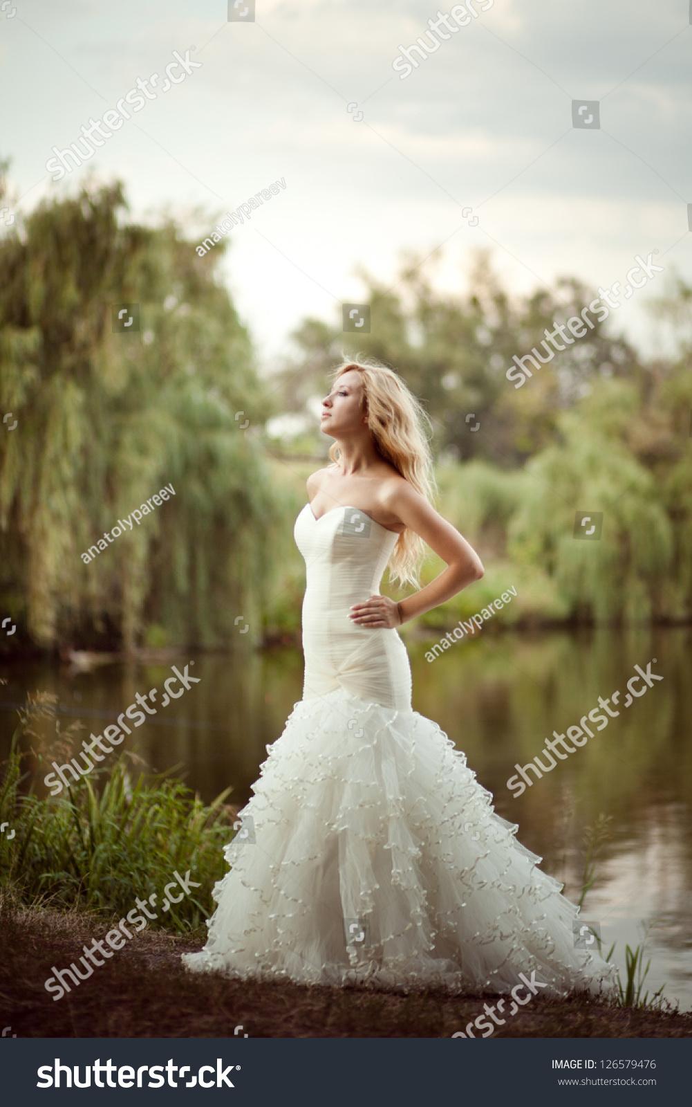 A Beautiful Colorado Wedding Awaits ...