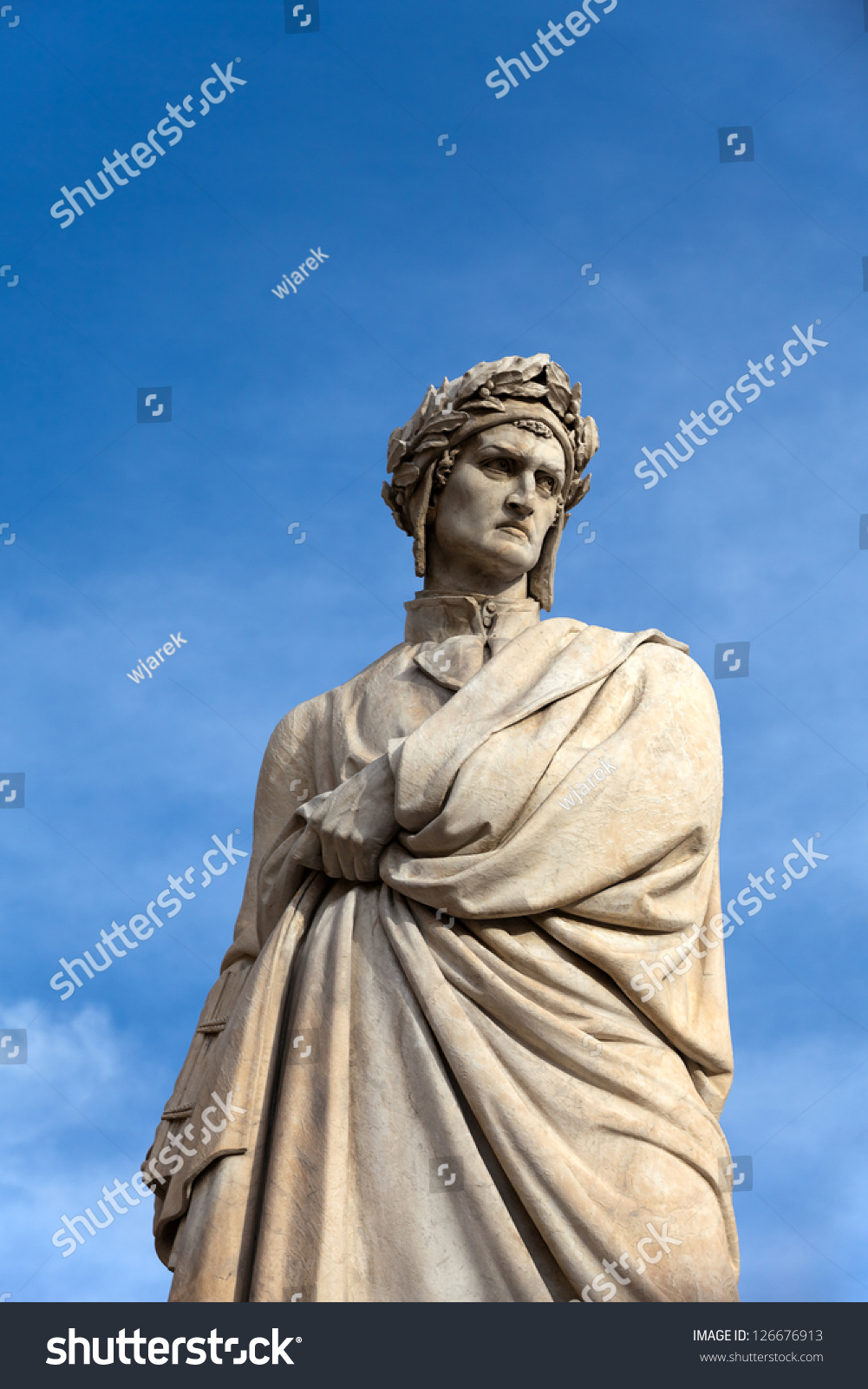 dante aligheri an influential poet in early literature Dante alighieri is considered the greatest italian poet and one of the greatest of european and world literature he is best known for the epic poem commedia, later named la divina commedia.