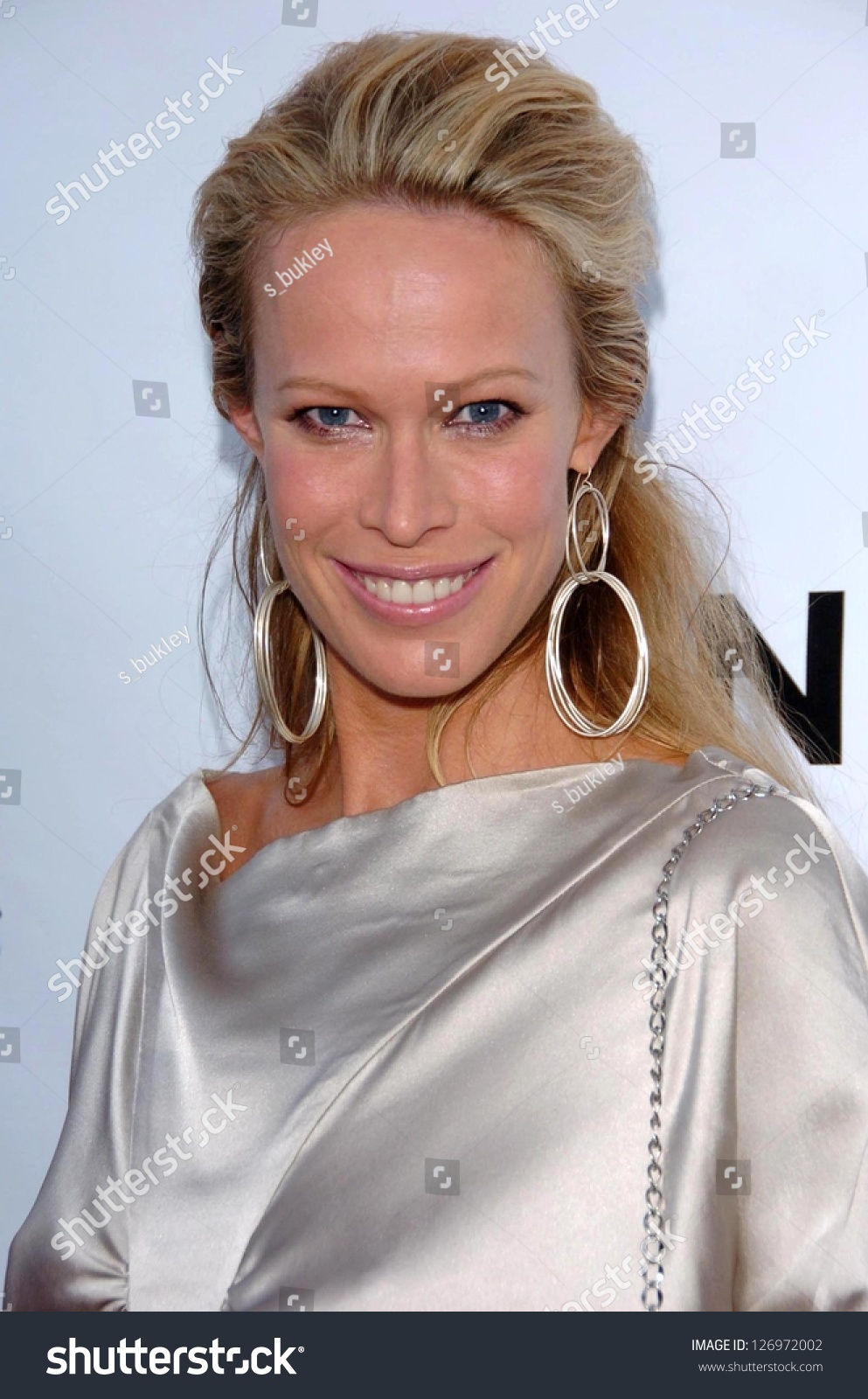 Roxanne (model),Evelyn Keyes Adult clips Dustin Milligan,Tara Reid