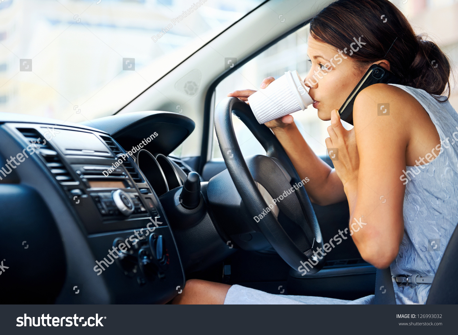 talking on the phone while driving essay Teenagers are the main texters with around 50% of them admitting to habitually texting while driving parents talk on a cell phone while driving essays.