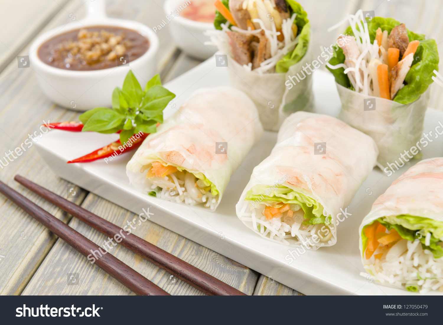 Goi Cuon - Vietnamese fresh summer rolls filled with prawns, pork ...