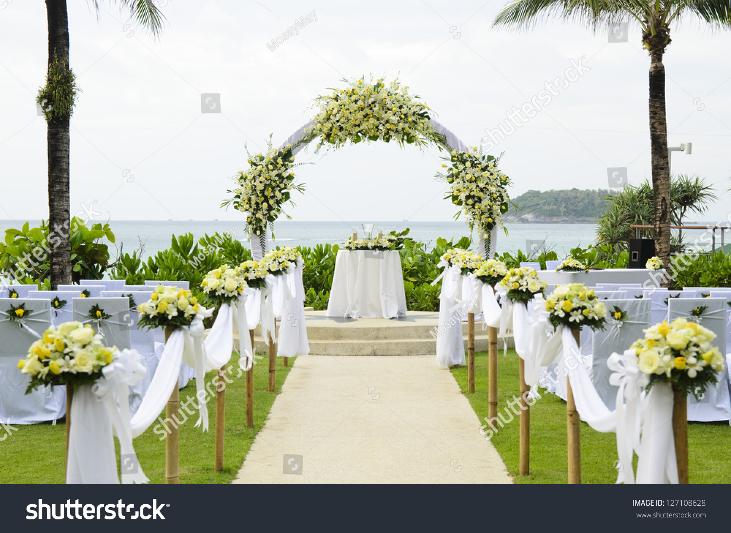 Wedding Set Garden Inside Beach Stock Photo 127108628