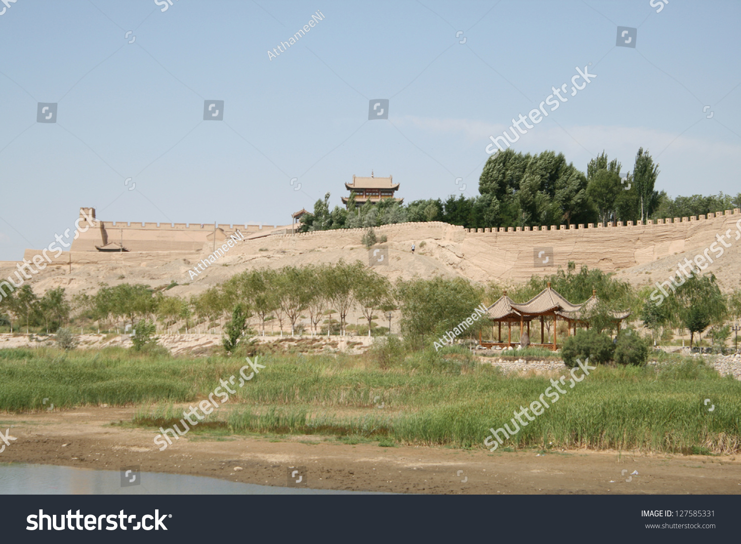 ancient china is surrounded by gobi Gobi desert, which spreads over much of china's north surrounded by moats and filled with water or left as ditches the four great inventions of ancient china were gunpowder, paper, woodblock printing and the compass.