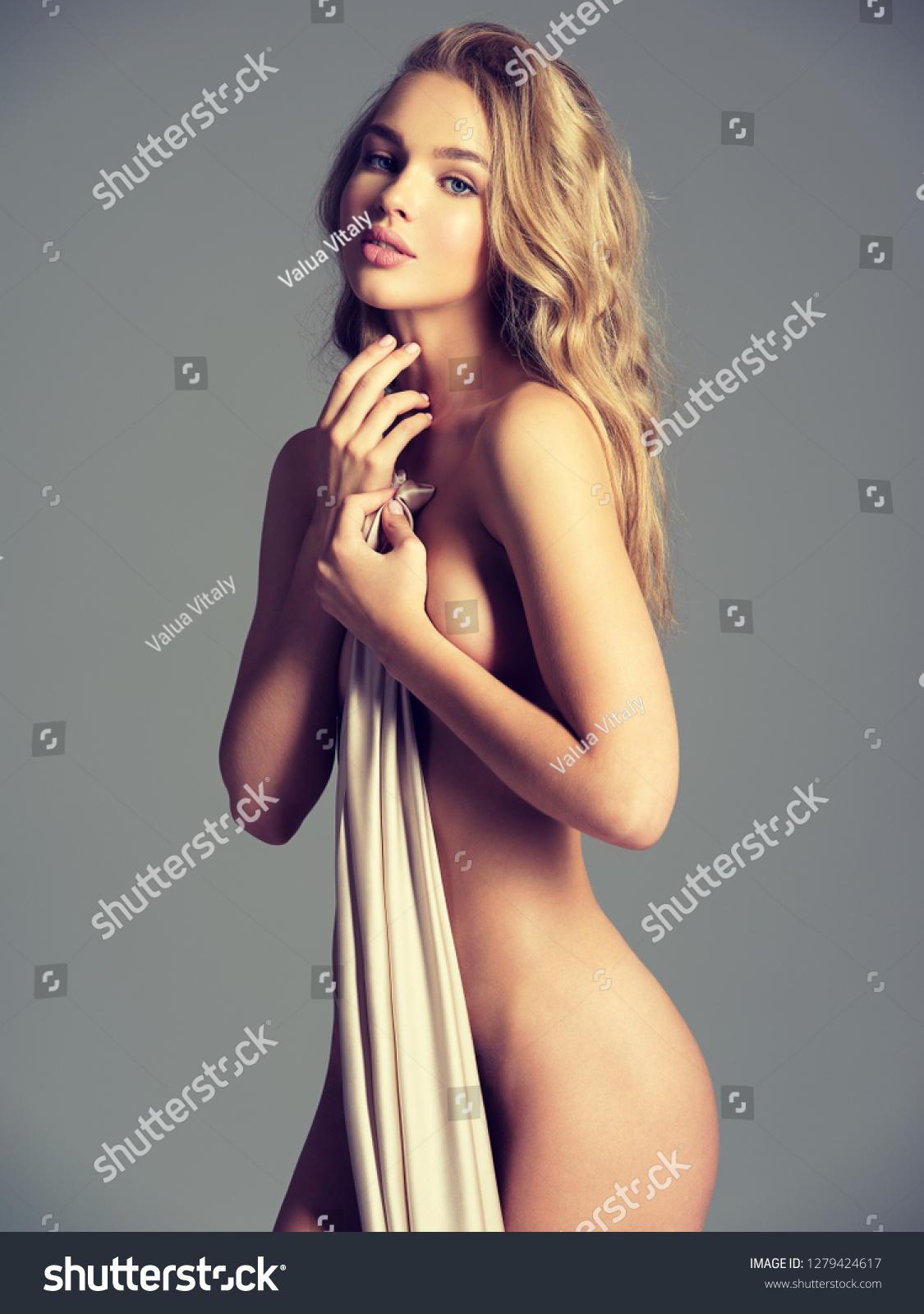 Naked Gorgeous Women