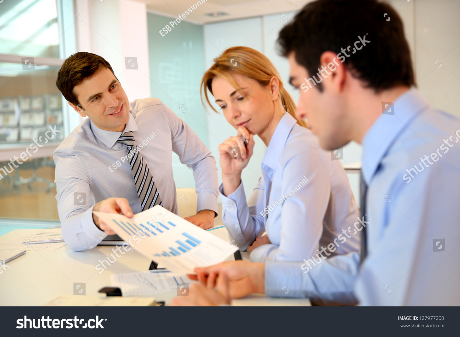 presenting a business plan Writing a business plan is one thing, doing a business plan presentation to investors is another thing and walking away with the needed capital is the ultimate achievement now how do you increase your chances of getting the needed financing.