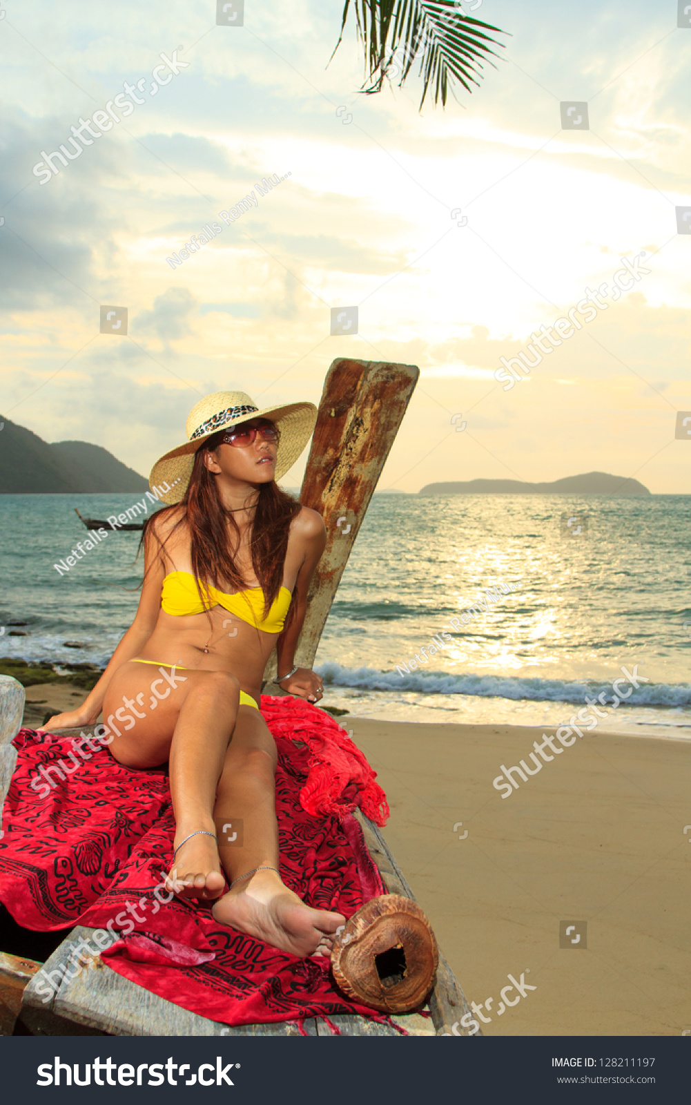 sunrise beach girls Sunrise beach's best 100% free online dating site meet loads of available single women in sunrise beach with mingle2's sunrise beach dating services find a girlfriend or lover in sunrise beach, or just have fun flirting online with sunrise beach single girls.