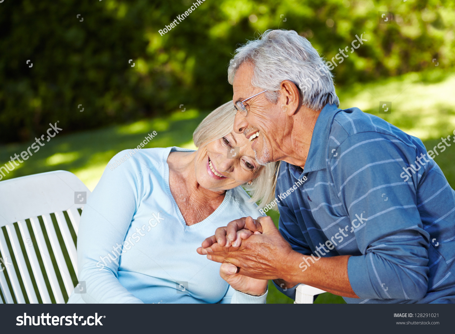 oakland gardens senior dating site Microsoft's student advantage program provides free downloads of the full version of microsoft office (microsoft word, excel, powerpoint, outlook, onenote.