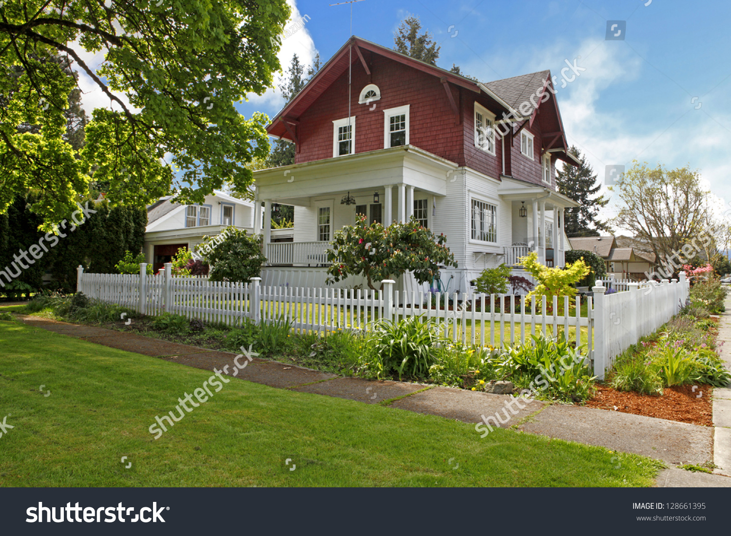 Classic large craftsman old american house stock photo for Classic american house