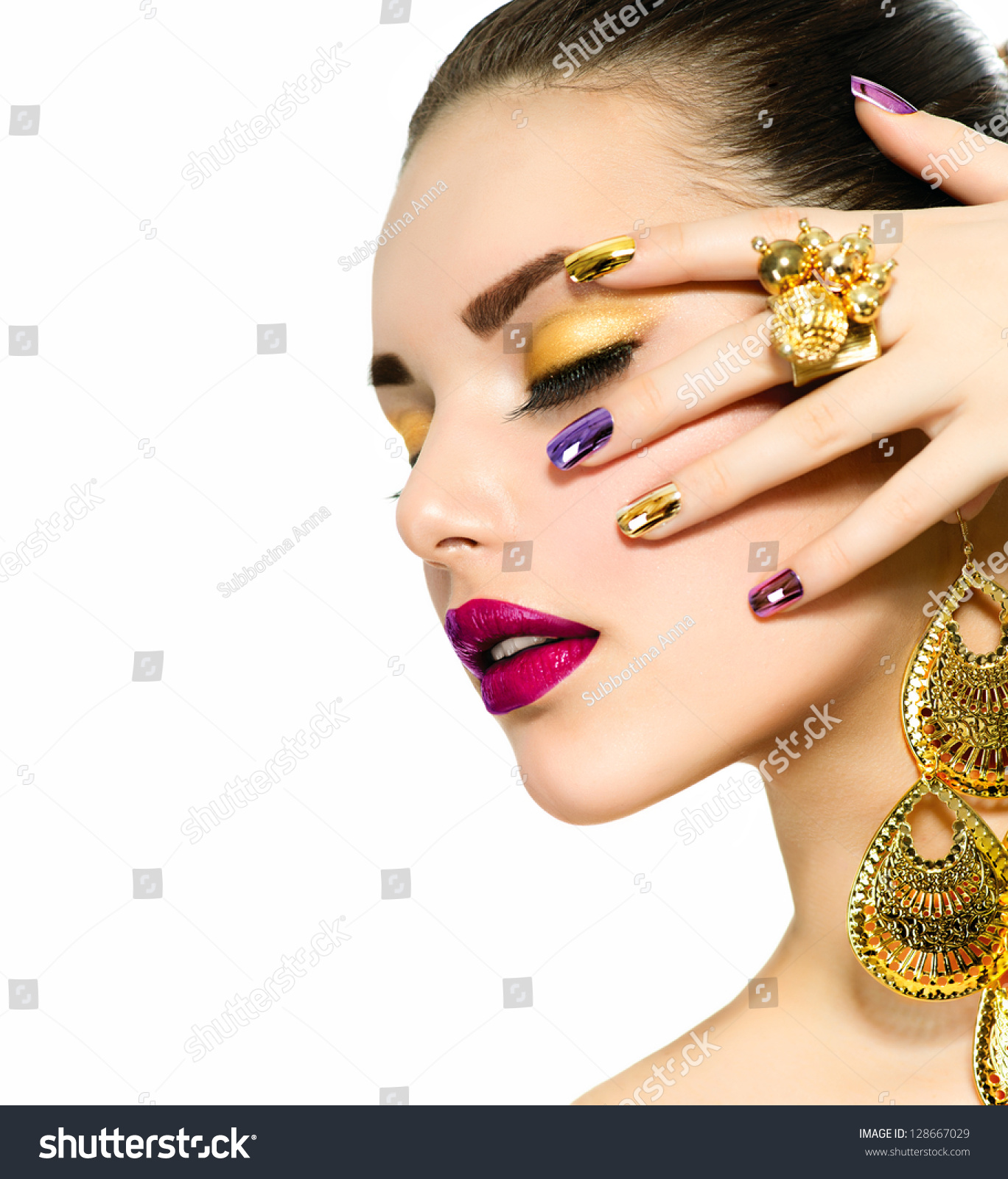 Free Manicure Beauty Hands Makeover: Fashion Beauty . Manicure And Make-Up. Nail Art. Beautiful