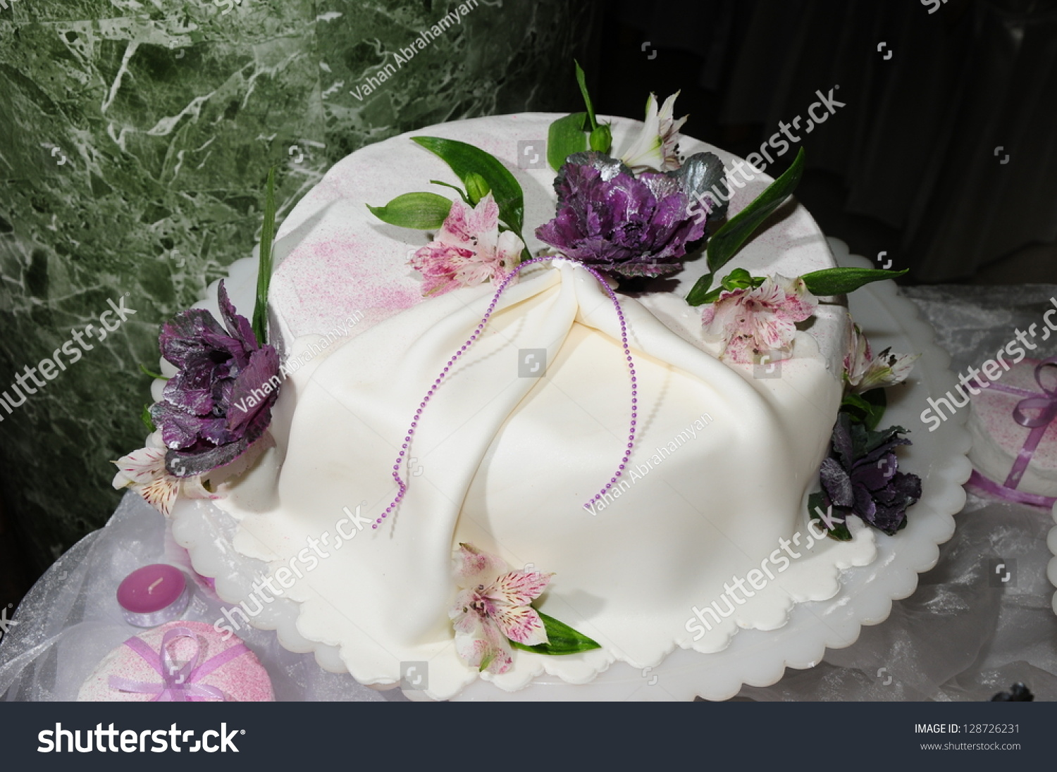 Wedding Cake Decorated With Fresh Flowers Stock Photo 128726231 Shutterstock