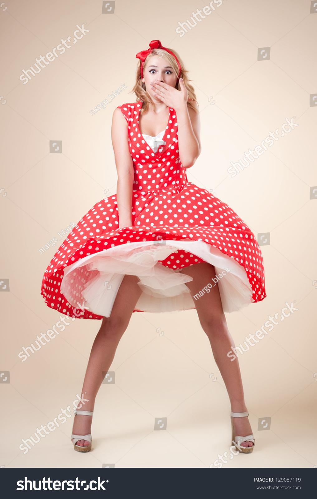 beautiful young girl retro pinup style imagen de archivo stock 129087119 shutterstock. Black Bedroom Furniture Sets. Home Design Ideas