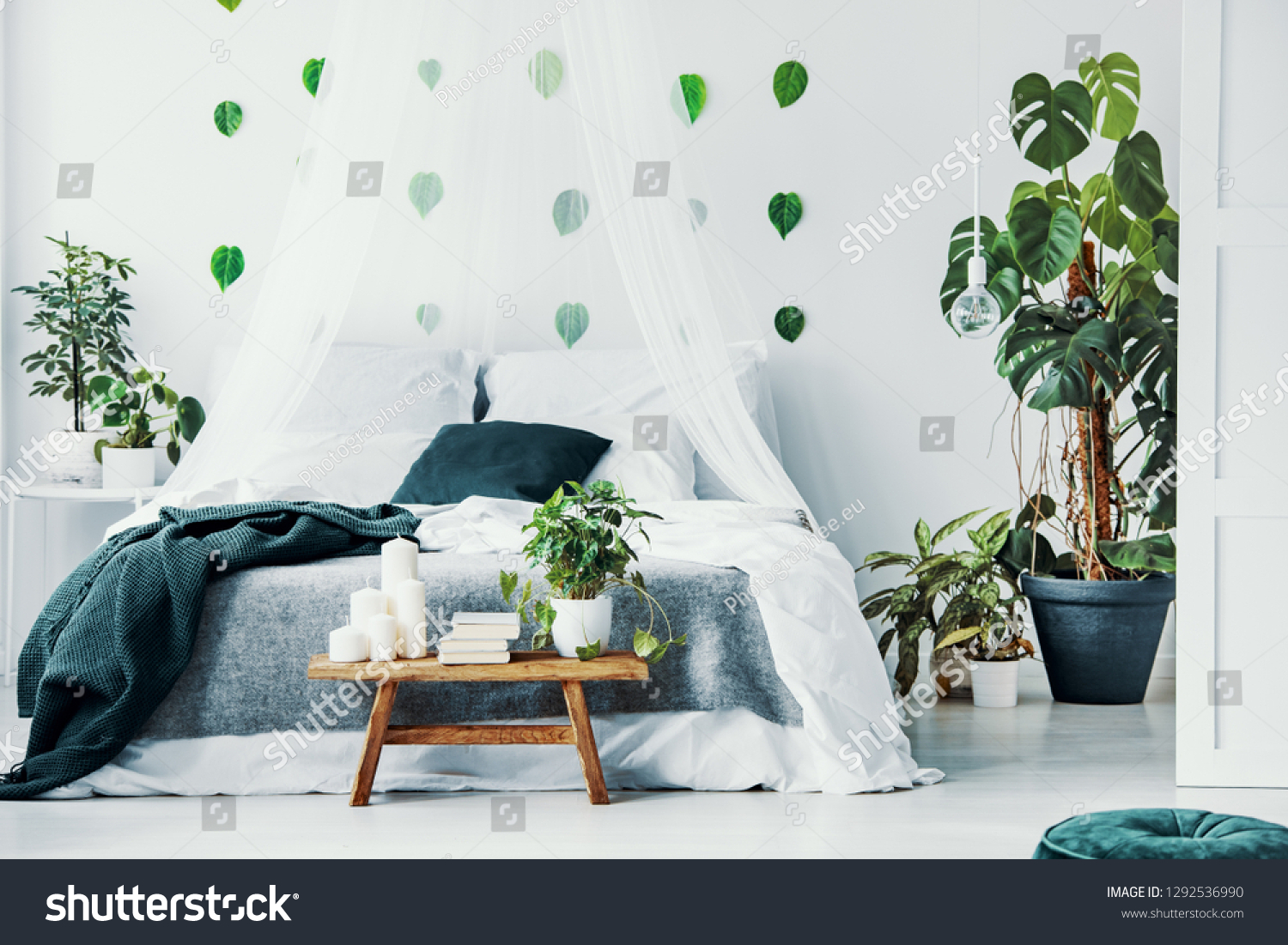Double Bed White Emerald Green Bedding Stock Photo Edit Now 1292536990