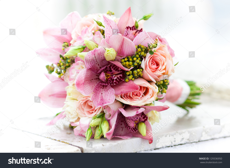 Wedding bouquet flowers roses beautiful bouquet ez canvas id 129336950 izmirmasajfo