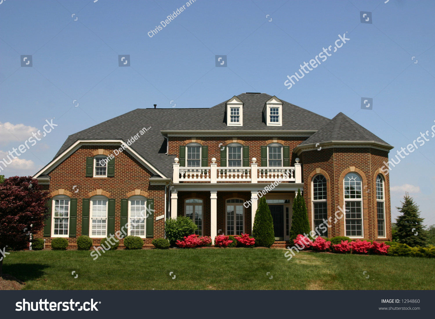 Traditional american home stock photo 1294860 shutterstock for Traditional american home