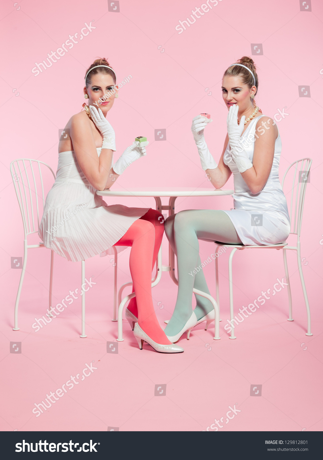 Girls muschi Two on cup