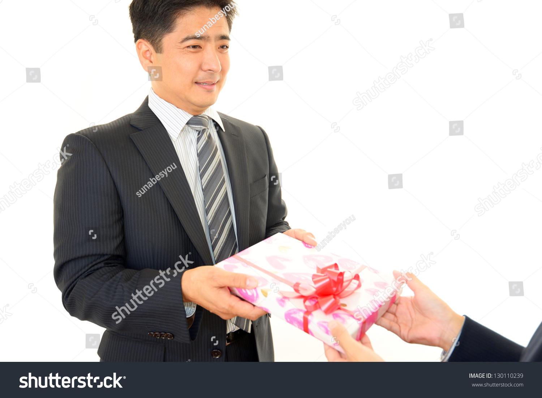 Какой подарок подарить иностранцам